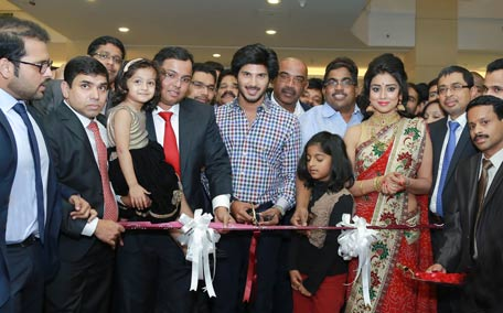 Dulkhar Salman inaugurates Malabar Gold outlet - Emirates24 7