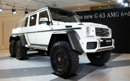 forget 4x4 here is new 6x6 mercedes benz g63 emirates 24 7. Black Bedroom Furniture Sets. Home Design Ideas