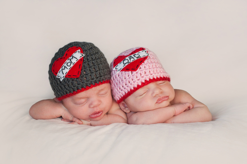 Photo: Identical twin nurses help deliver identical twin babies
