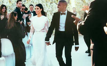 Kim Kardashian And Kanye West Look Beaming With Hiness As They Walk Hand In
