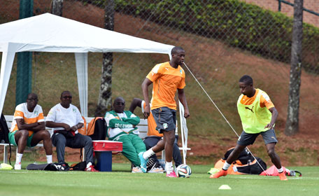 Ivory Coast's midfielder Yaya Toure takes part in a training session in Aguas de Lindoia, on June 9, 2014. (AFP)