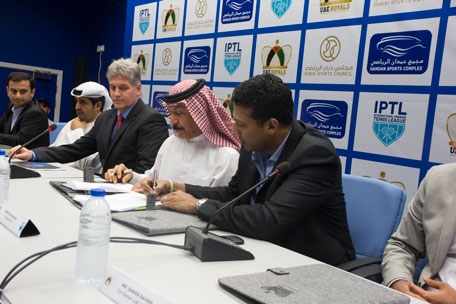 Mahesh Bhupathi (second right), founder of IPTL signing the agreement with Tennis Emirates vice-president Abdulrahman Falaknaz (third right) at the launch of the IPTL in Dubai. (SUPPLIED)