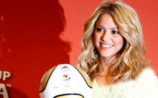 Photo: Shakira goes 'a month or more' without seeing kids