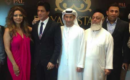 Shah Rukh Khan charms Dubai crowd