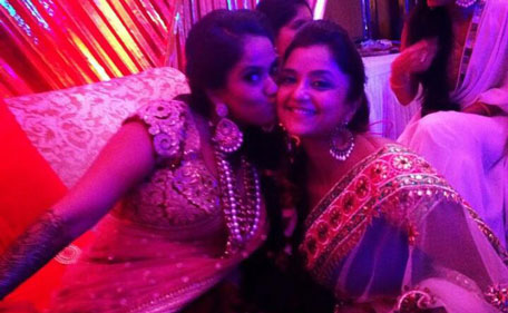 Expensive Wedding Gift For Sister : Bollywood actor Salman Khans sister Arpita Khan (L) shares a moment ...