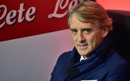 Inter Milan manager Roberto Mancini picks England Premier ...