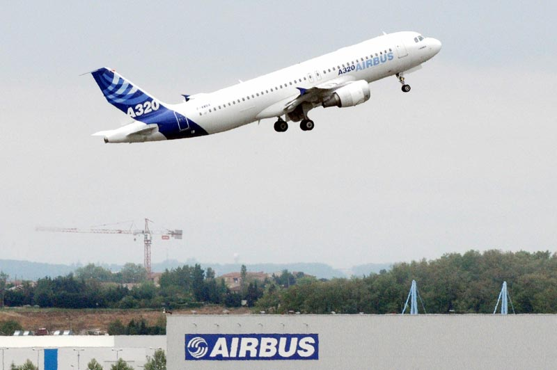A photo taken on April 30, 2010 shows an Airbus 320 aircraft taking off in Toulouse, southern France. (AFP)