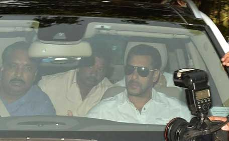 Bollywood actor Salman Khan arrives at a court in Mumbai, India, Wednesday, May 6, 2015. (AP)