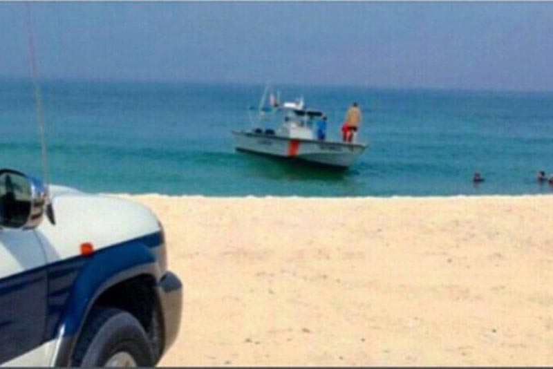 A rescue team of Sharjah Police recovered the dead body of an Emirati man who drowned off the Emirate's Hamriyah Beach. (Supplied)