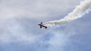 الصورة: 2 killed when small plane crashes near Missouri airport