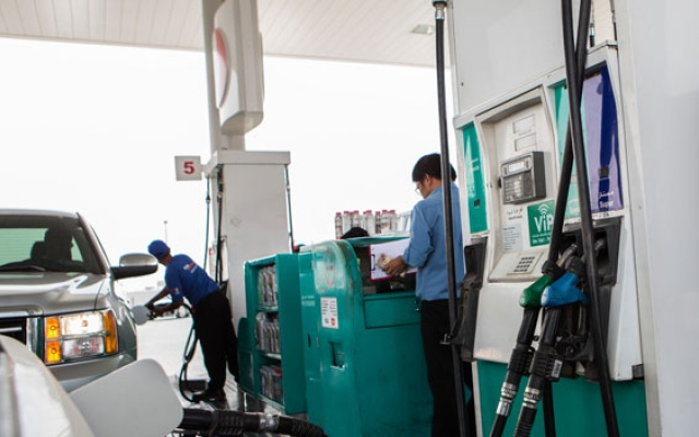 UAE petrol prices to go up by another 10% in May