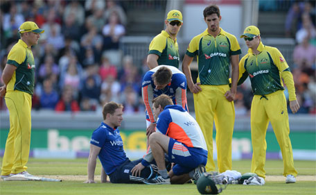 England's Eoin Morgan after being struck by Australia's Mitchell Starc during the 5th Royal London One Day International - Emirates Old Trafford - 13/9/15. (Action Images via Reuters)