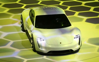 Photo: Video: Electric car gets Porsche-d