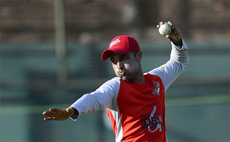 Pakistan cricketer Mohammad Amir, now playing for Bangladesh's Twenty20 league, attends a training session at at the Sher-e-Bangla cricket stadium in Dhaka on November 21, 2015. (AFP)