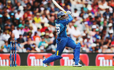 Tillakaratne Dilshan of Sri Lanka hits a boundaring during the Twenty20 International match between New Zealand and Sri Lanka at Eden Park on January 10, 2016 in Auckland, New Zealand. (Getty Images)