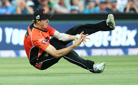 Joel Paris of the Scorchers takes a catch during the Big Bash League match between the Adelaide Strikers and Perth Scorchers at Adelaide Oval on January 5, 2016 in Adelaide, Australia. (Cricket Australia/Getty Images)
