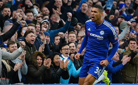 Chelsea's English midfielder Ruben Loftus-Cheek scoring his team's second goal during the FA Cup third-round football match between Chelsea and Scunthorpe United at Stamford Bridge in London on January 10, 2016. (AFP)