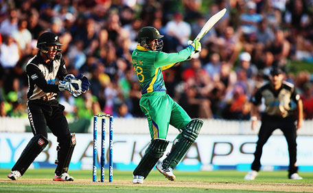 Shoaib Malik of Pakistan plays the ball away for four runs during the International Twenty20 match between New Zealand and Pakistan at Seddon Park on January 17, 2016 in Hamilton, New Zealand. (Getty Images)