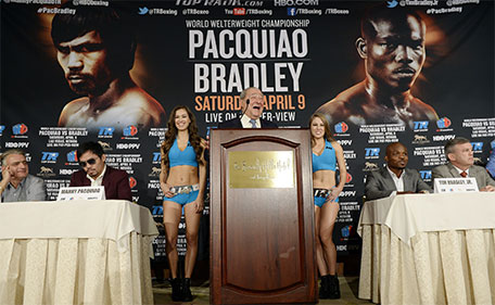 Promoter Bob Arum announces the upcoming world welterweight championship bout between Manny Pacquiao and Timothy Bradley during a news conference at the Beverly Hills Hotel January 19, 2016 in Beverly Hills, California. (AFP)