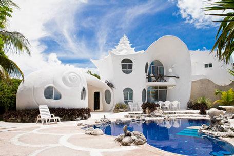 The-Seashell-House Casa-Caracol-in-Mexico