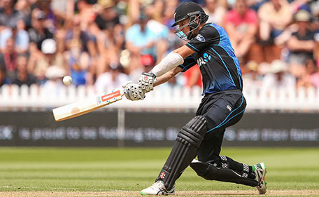 Matt Henry of New Zealand bats during the One Day International match between New Zealand and Pakistan at Basin Reserve on January 25, 2016 in Wellington, New Zealand. (Getty Images)