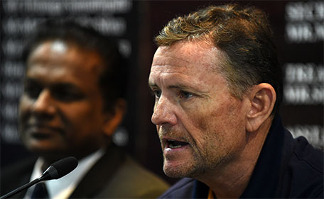 New Sri Lanka coach Graham Ford speaks to reporters as President of Sri Lanka Cricket Thilanga Sumathipala (left) looks on in Colombo on February 2, 2016. (AFP)