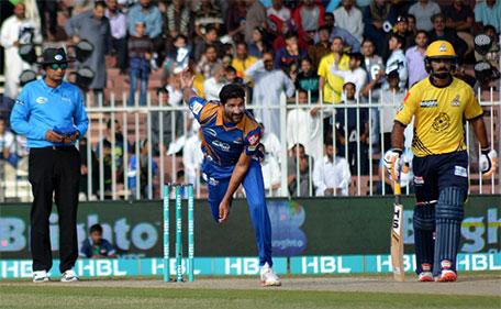 Sohail Tanvir of Karachi Kings bowls during PSL Match 10 against  Peshawar Zalmi at Sharjah Cricket Stadium on February 11 2016. (@PSL)