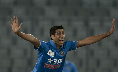India's Ashish Nehra unsuccessfully makes an LBW appeal during the Asia Cup Twenty20 international cricket match against Sri Lanka in Dhaka, Bangladesh, Tuesday, March 1, 2016. (AP)