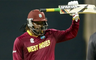 Photo: IPL star Gayle rides into another storm boasting of his 'big bat'
