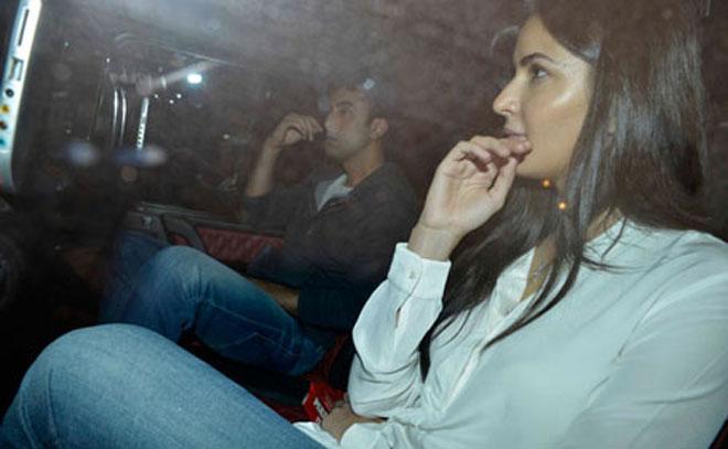 Ranbir Kapoor And Katrina Kaif Beach