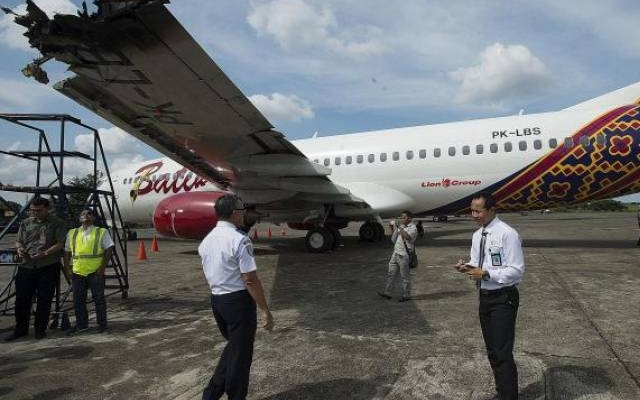Two passenger planes' wings clipped while take-off…