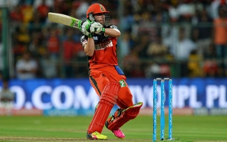 Photo: IPL Playoffs Gujarat v Bangalore: AB de Villiers tames Lions