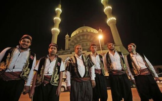 Photo: In Istanbul, drummers keep ancient Ramadan tradition alive