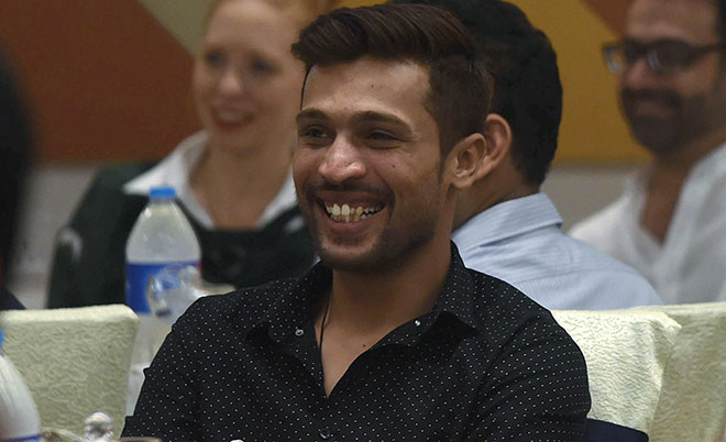 Pakistan's Mohammad Amir bowls a bouncer: Ban match-fixers