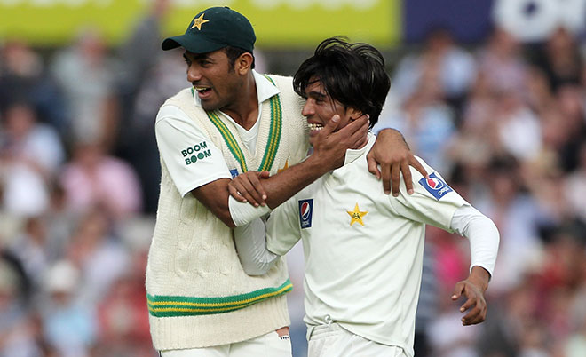Mohammad Amir (right) of Pakistan celebrates the wicket of Matt Prior of England with Wahab Riaz during day three of the npower 3rd Test Match between England and Pakistan at The Brit Insurance Oval on August 20, 2010 in London, England. (Getty Images)