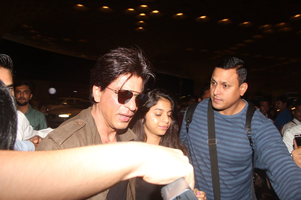 Bollywood star Shah Rukh Khan detained at US airport