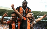Photo: Hull stun Leicester, Guardiola's City edge Sunderland