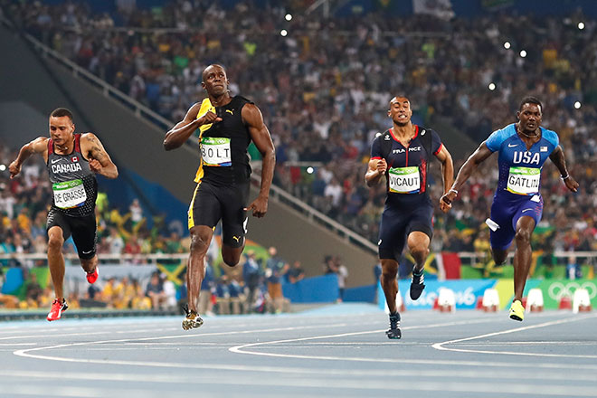 'Lightning' Bolt thunders past Gatlin to win third Olympic ...