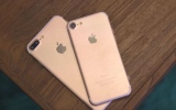 Photo: Apple war: iPhone 7 vs iPhone 6s