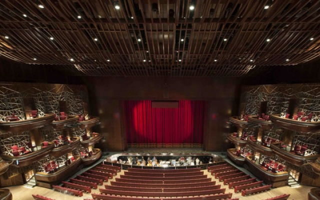 Curtains rise on Dubai's night at the opera; Placido Domingo to perform
