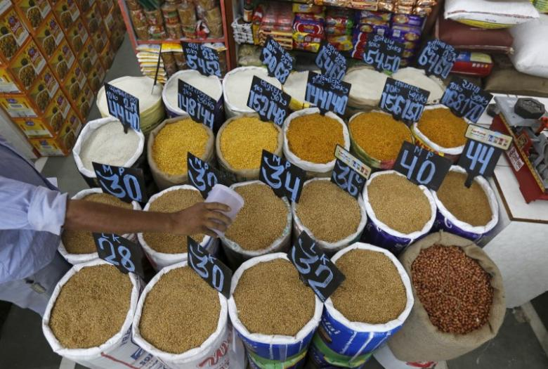 India cuts import taxes on wheat, palm oil, refined oils - Emirates24|7