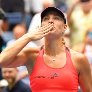 Photo: Kerber keen for revival not top spot