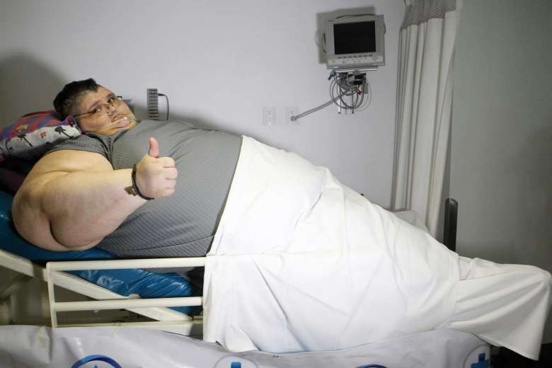 One big resolution: worlds fattest man aims for half