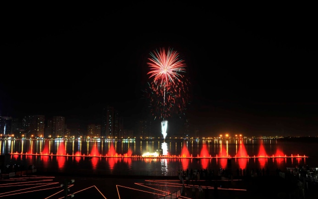 Sharjah to welcome 2017 with its largest ever fireworks display