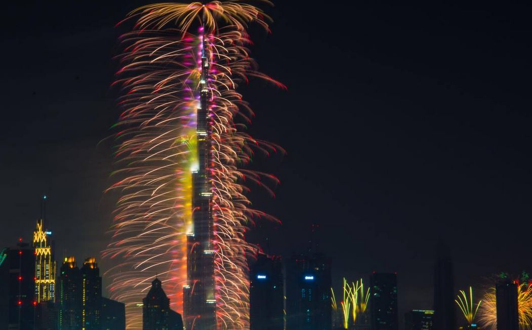dubai welcomes new year with dazzling display of fireworks emirates247