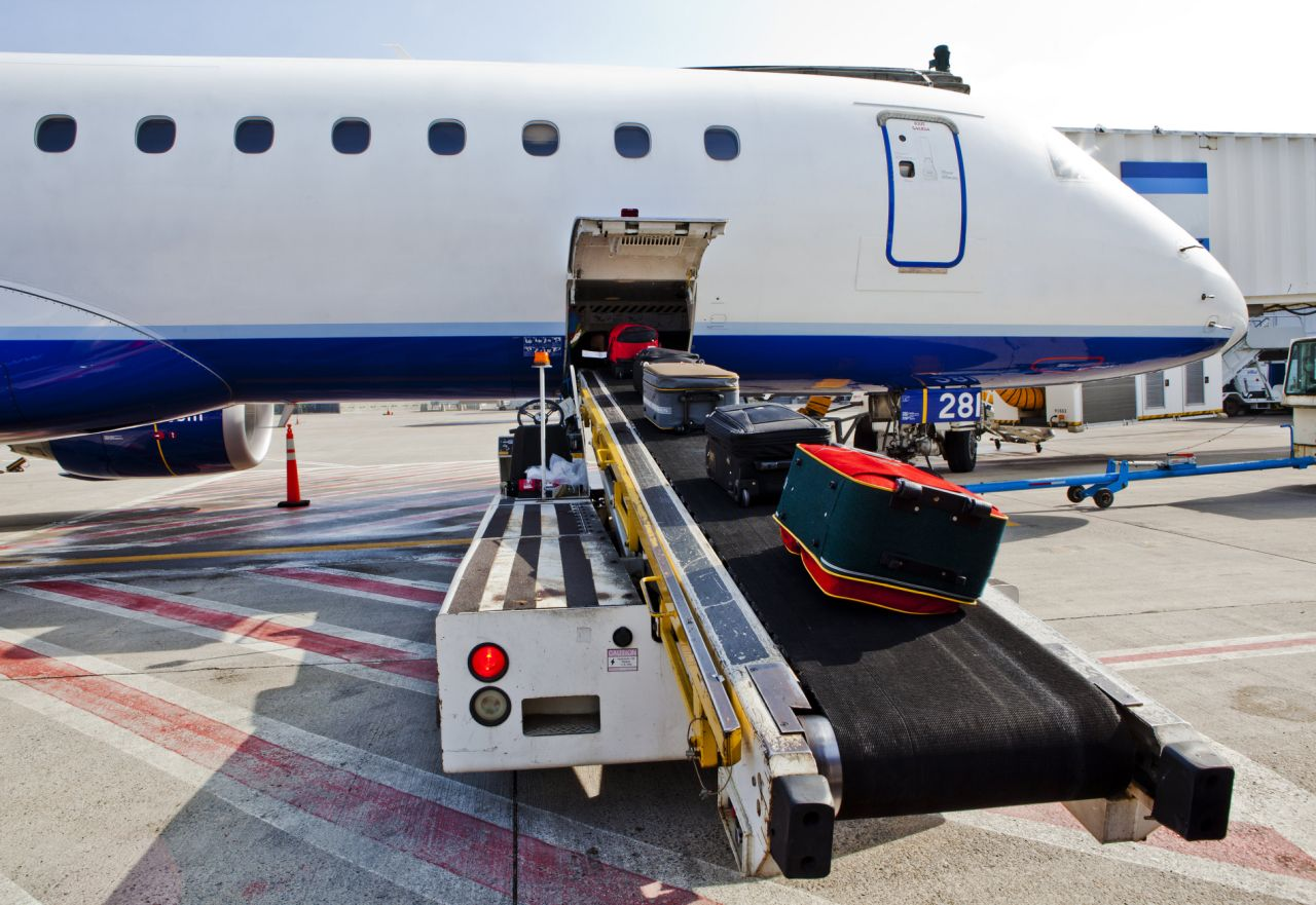 Faa Airline Investigating How Worker Got Left In Cargo