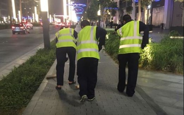 Sheikh Mohammed orders drivers who performed dangerous car stunts to clean Dubai streets