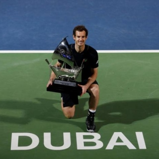Photo: Murray wins first title of year in Dubai
