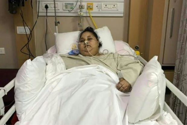 Eman Ahmed Abd El Aty lies in a hospital bed at The Saifee Hospital in Mumbai. (AFP)