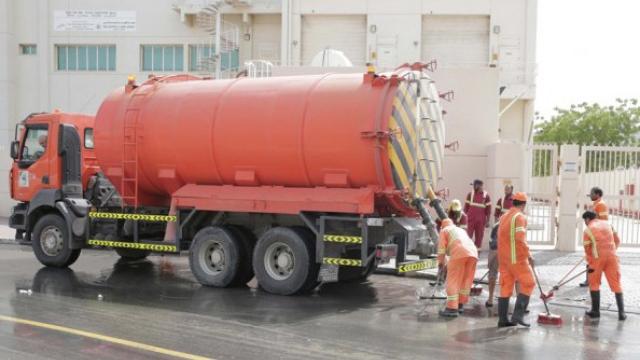 Dubai Municipality successfully contains rainwater accumulation